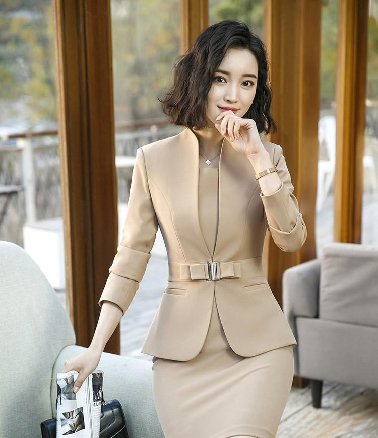 wome's office style blazer