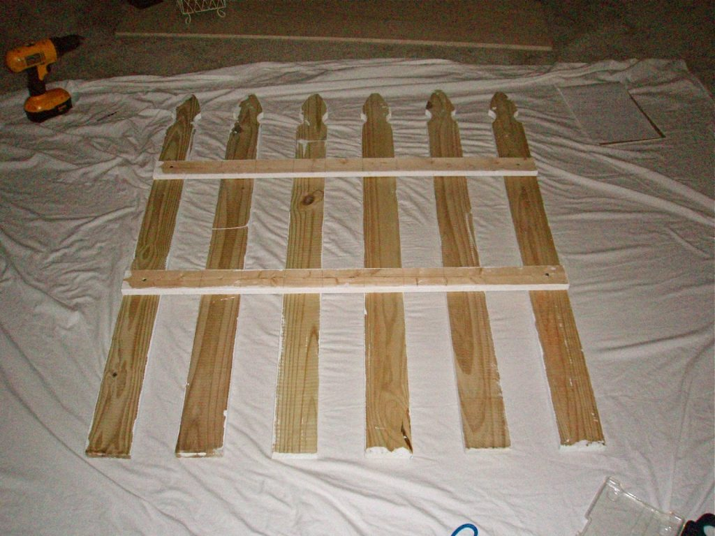 picket-fence-headboard-diy