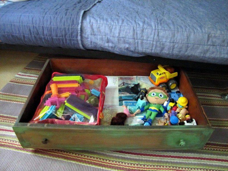 DIY-dresser-drawer-storage