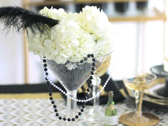 Decorate-Martini-Glasses-for-a-Wedding