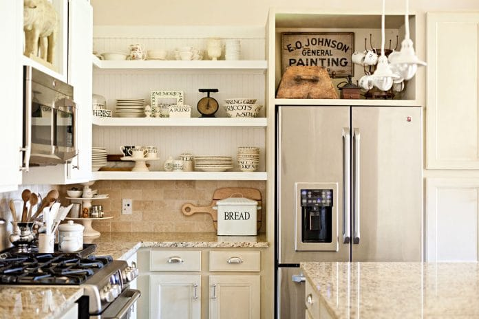 Furnishing-a-Shelf-With-Vintage-Kitchen-Decor