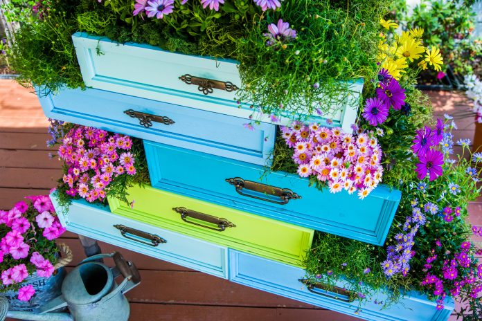 diy-dresser-drawer-planter