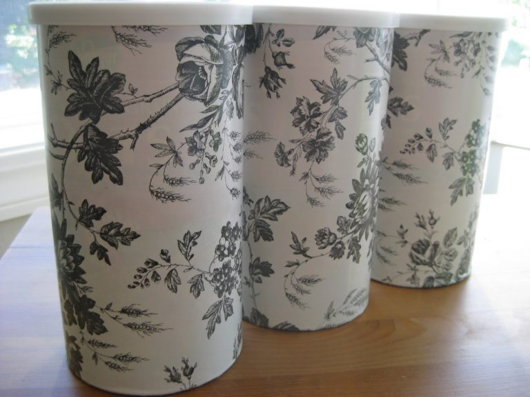How to Repurpose Oatmeal Containers