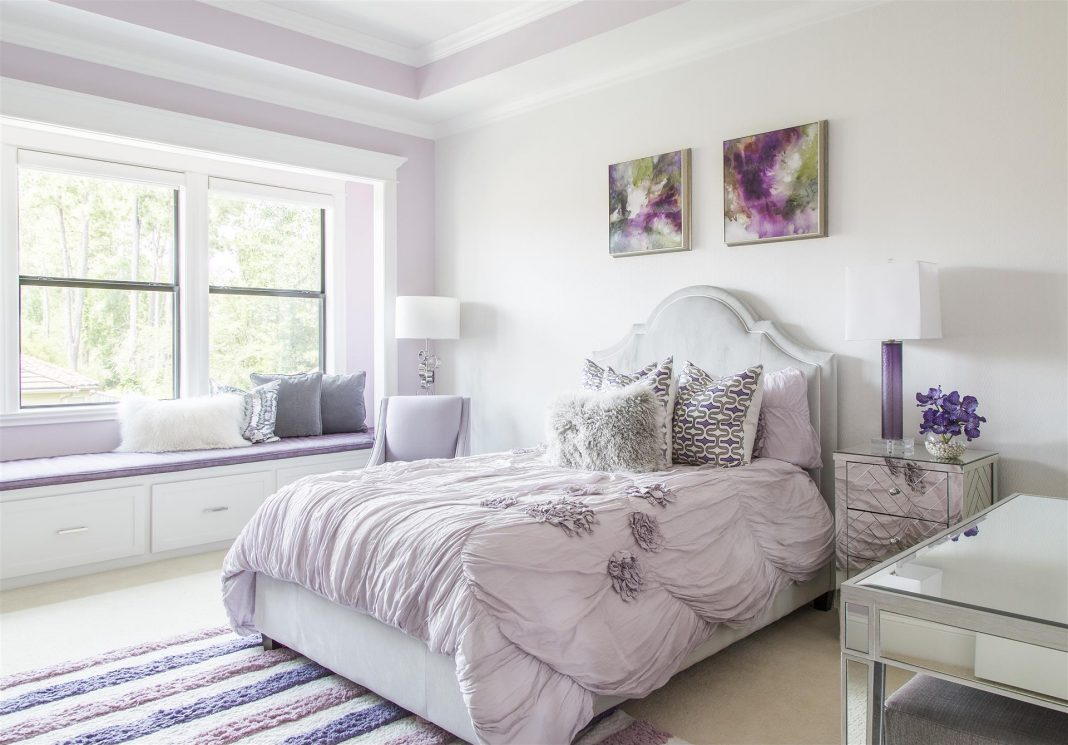 Bedroom-With-Hot-Color-Trends