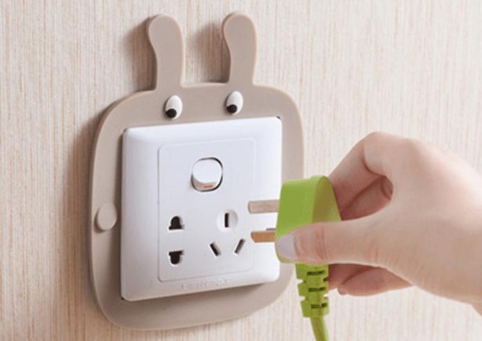 Decorate-Around-Light-Switches