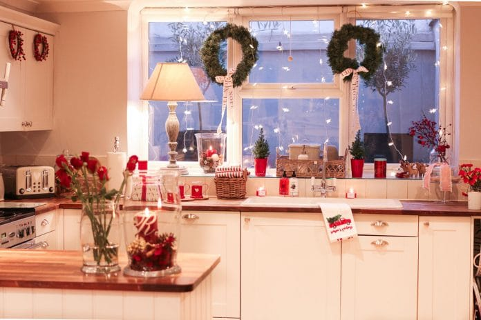 Decorate-Kitchen-for-the-Christmas