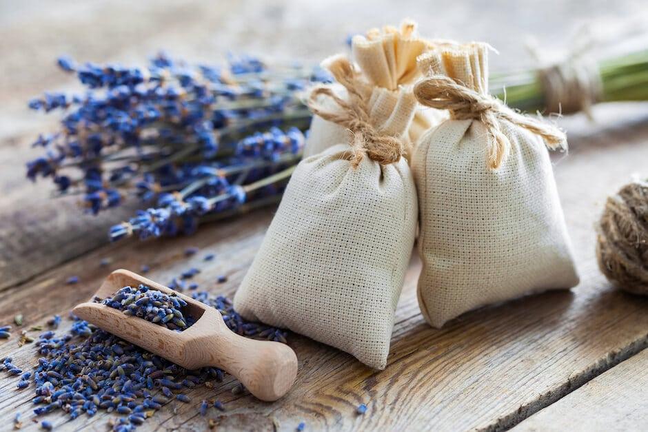 Dried-Lavender-Sachets