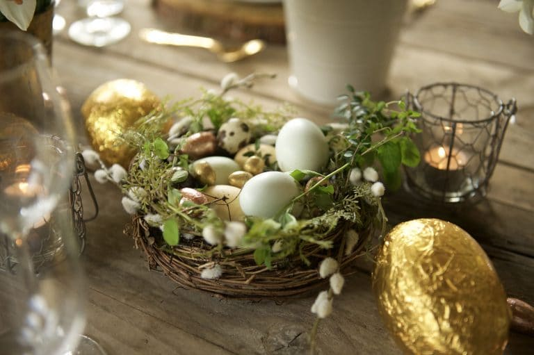 Easy Easter Dining Table Centerpieces