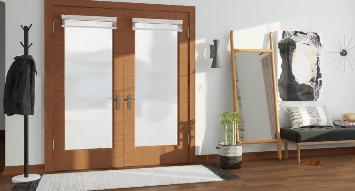 Floor-Mirror-in-an-Entryway