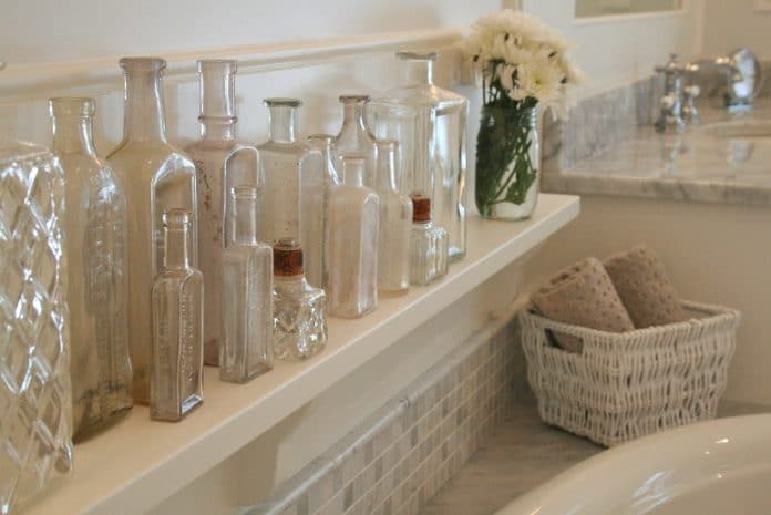 Glass-Bottles-for-the-Bathroom