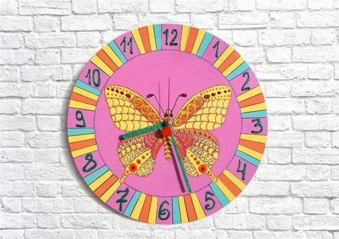 Make-Unique-Personalized-Wall-Clocks