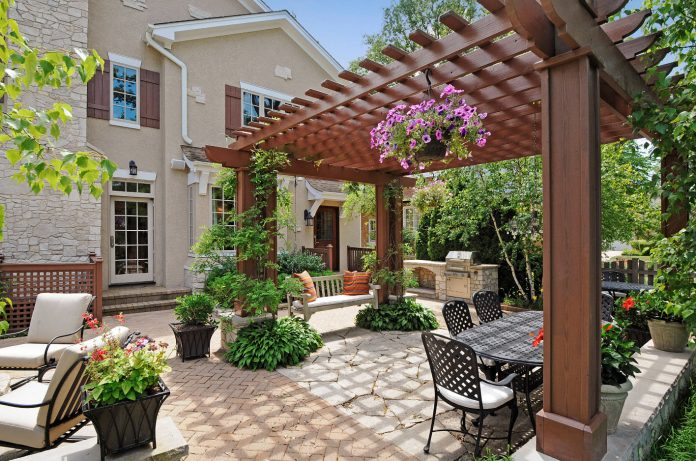 Five-Steps-Backyard-Pergola