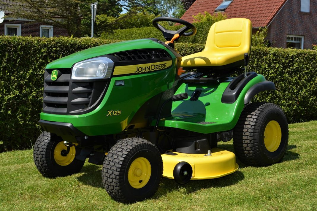 Riding-Law-Mower-Safety-Tips