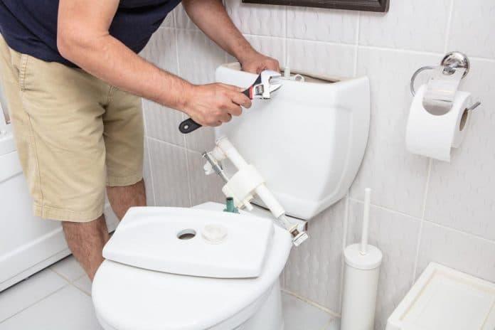 Repairing-Toilet-Flush-Valve